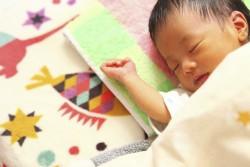 知り合いに赤ちゃんが生まれたら!出産祝いの相場と贈り方 イメージ