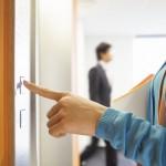 エレベーターやトイレなど個室でのマナー イメージ